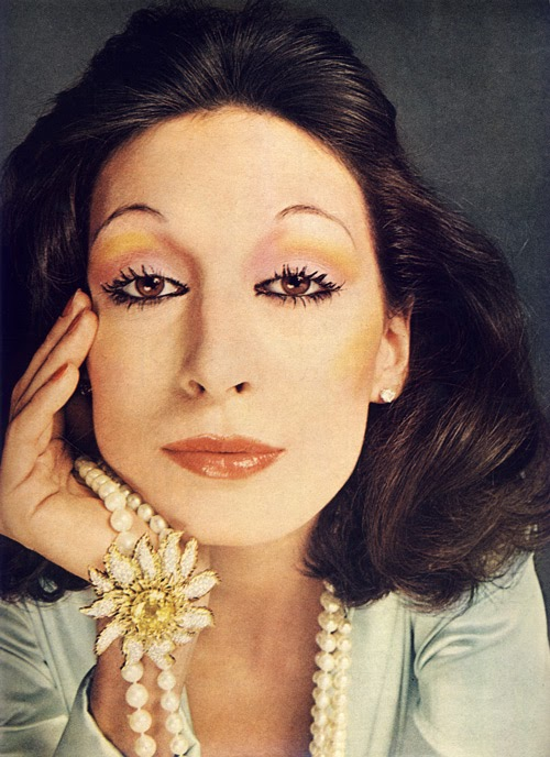 Anjelica Huston - Gallery Colection